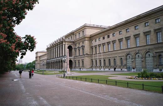 Münchner Residenz - Ansicht vom Hofgarten