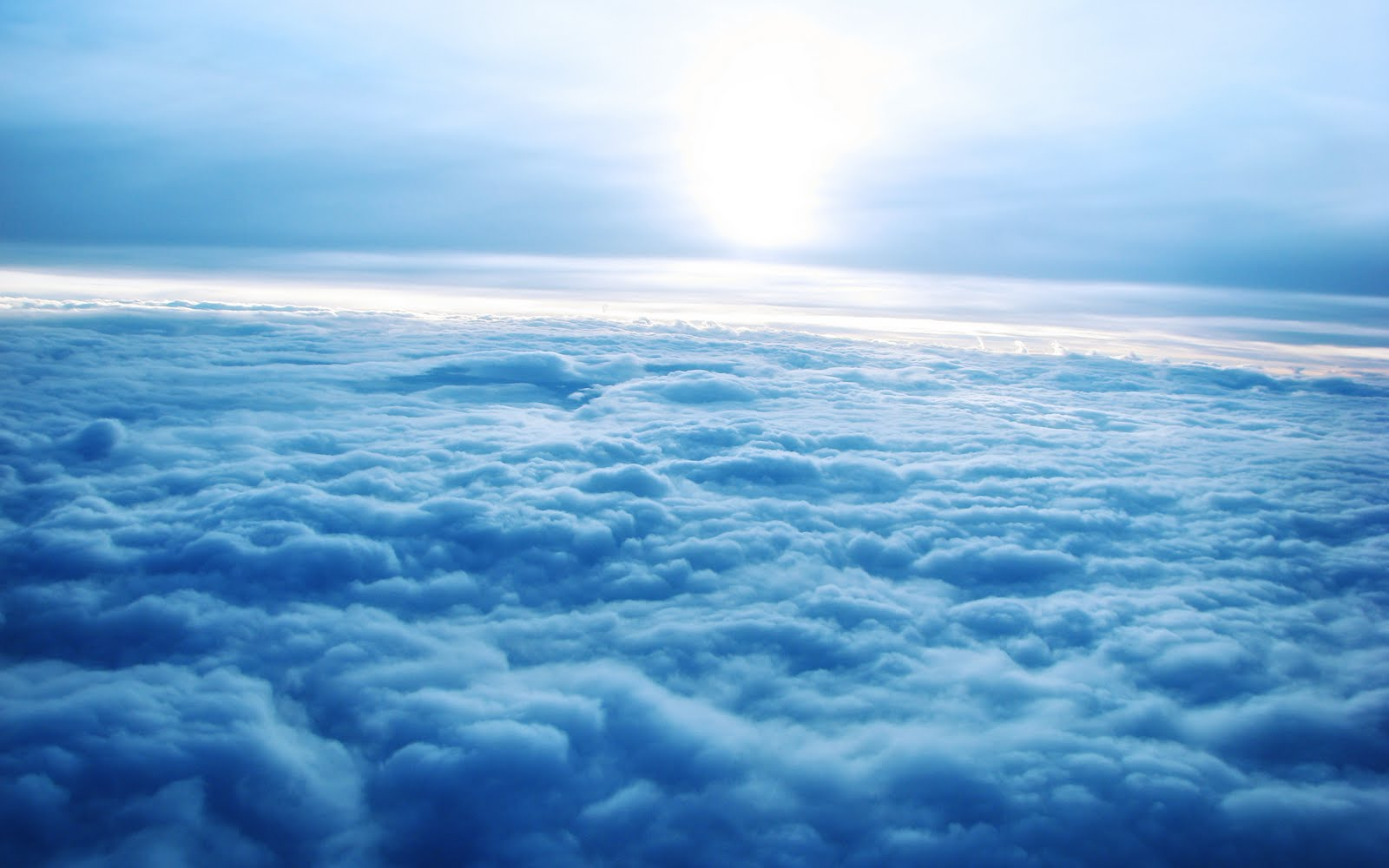 http://1.bp.blogspot.com/-i6OECVt90Lk/TelFBEzEsjI/AAAAAAAACdk/2Et1Xi-Q0Ww/s1600/sky.jpg