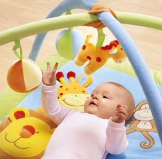 http://1.bp.blogspot.com/-i6YSparFjU0/TfxrvpbnNII/AAAAAAAAAqs/ifqlVmZ3QAw/s320/speelmat+baby.jpg