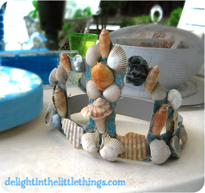 DIY Mermaid Shell Crown - Pool Party | delightinthelittlethings.com