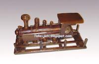 Miniatur Kereta Api Kayu Jati