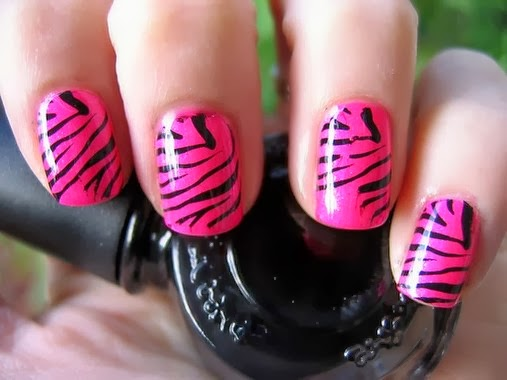 Beautiful Pink Zebra Nail Tips