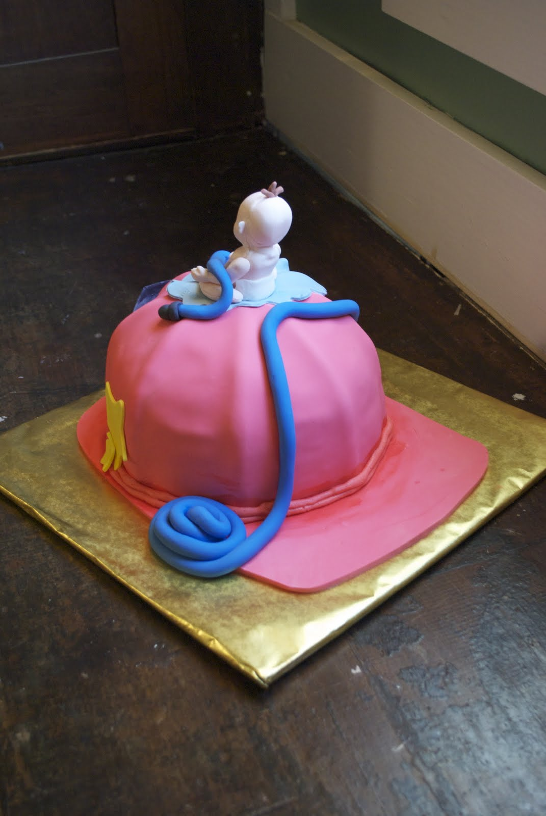 Country Cupboard Cakes: Firefighter Helmet Cake