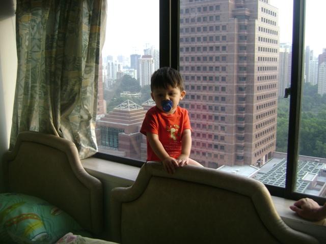 Waktu Andrew Kecil Pernah Nyewa Di Apartment Lucky Plaza