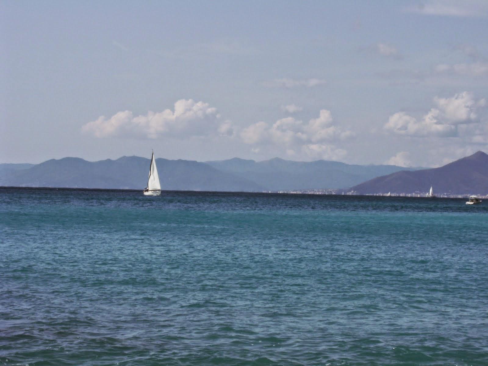 Vela nel mare di Varigotti