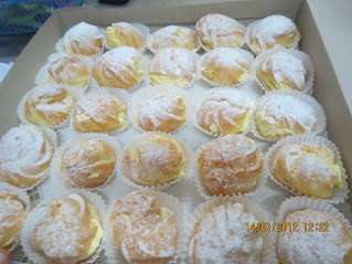 CREAM PUFF WITH SPECIAL FILLING