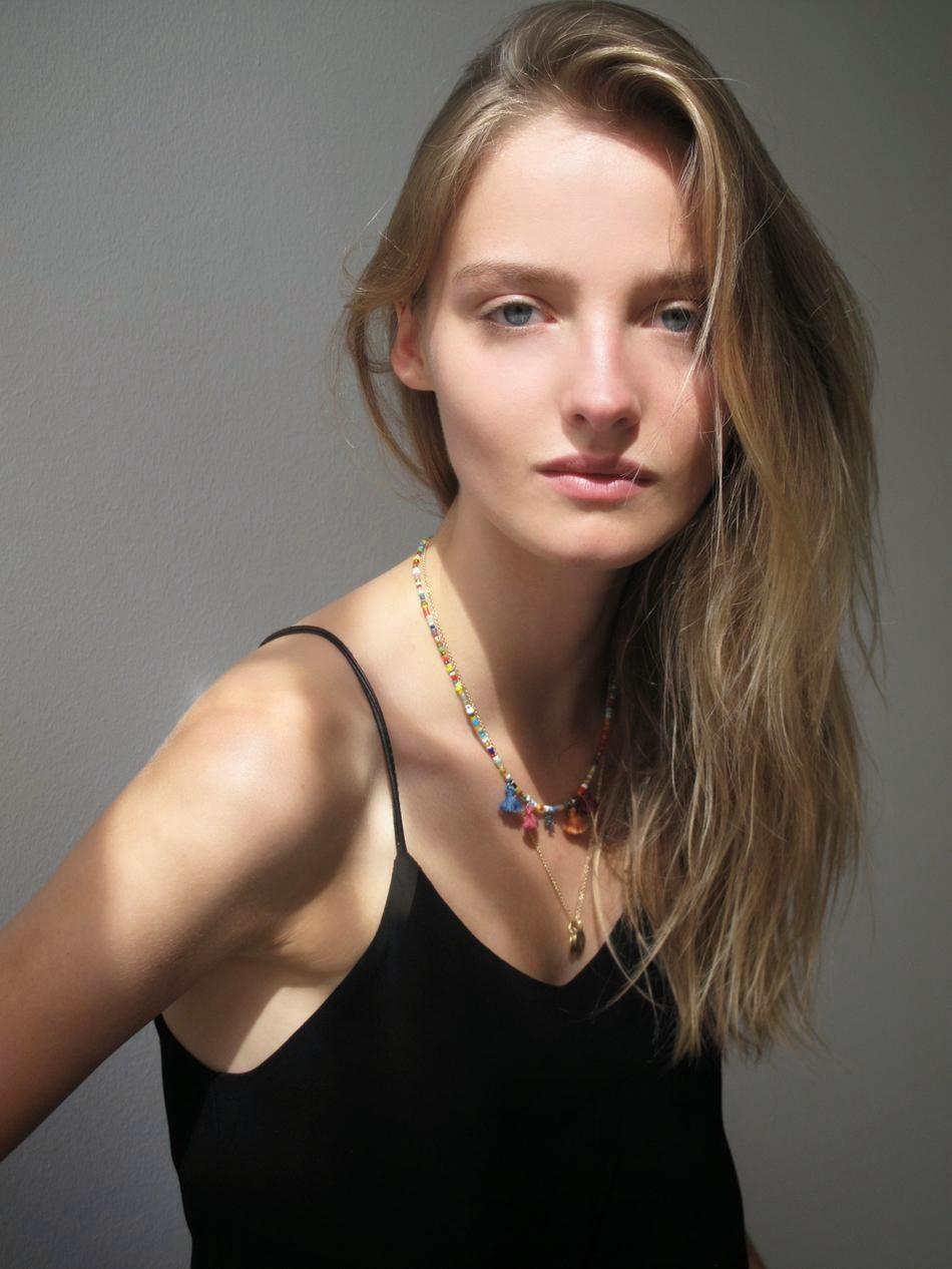 Amanda Norgaard Nude Photos 84