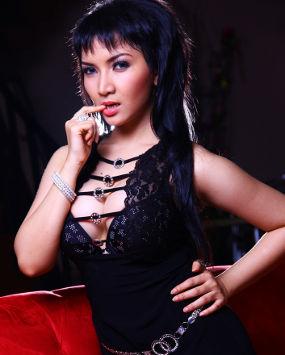 Foto Model on Model Hot Buah Dada Besar Roro Fitria Foto   Oh Serem
