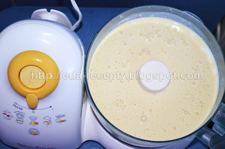 Блинчики тонкие на молоке: добавить остальные продукты