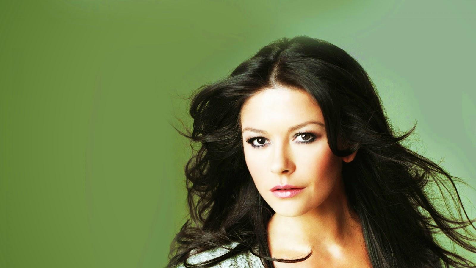 Sexy Catherine Zeta Jones