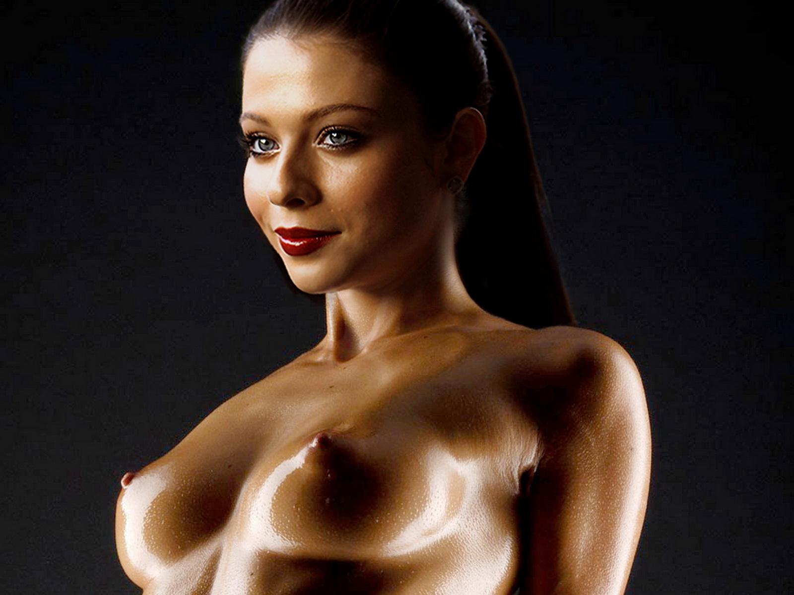 Michelle Trachtenberg Naked Oiled Shoot