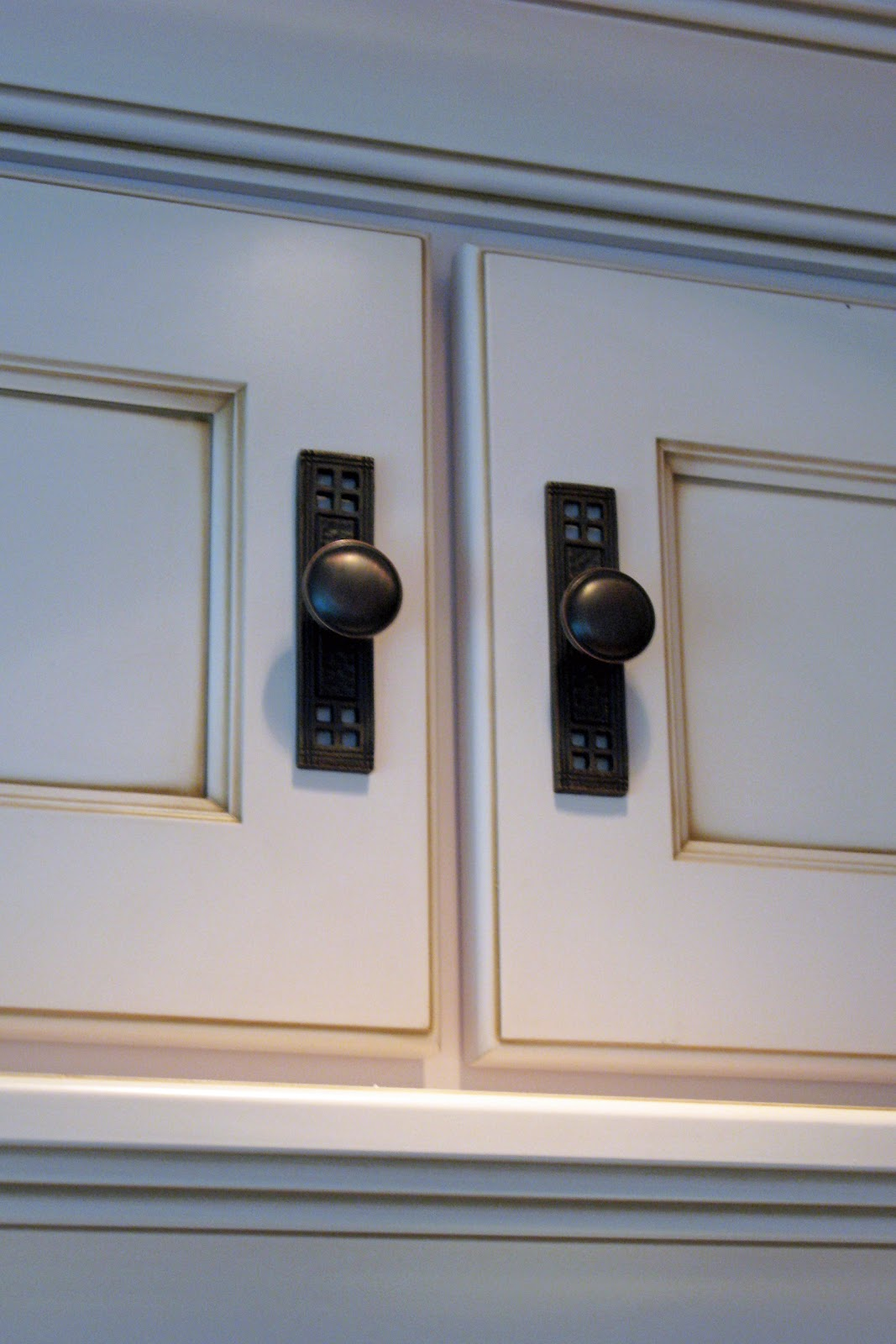 Kitchen CabiKnob with Backplate