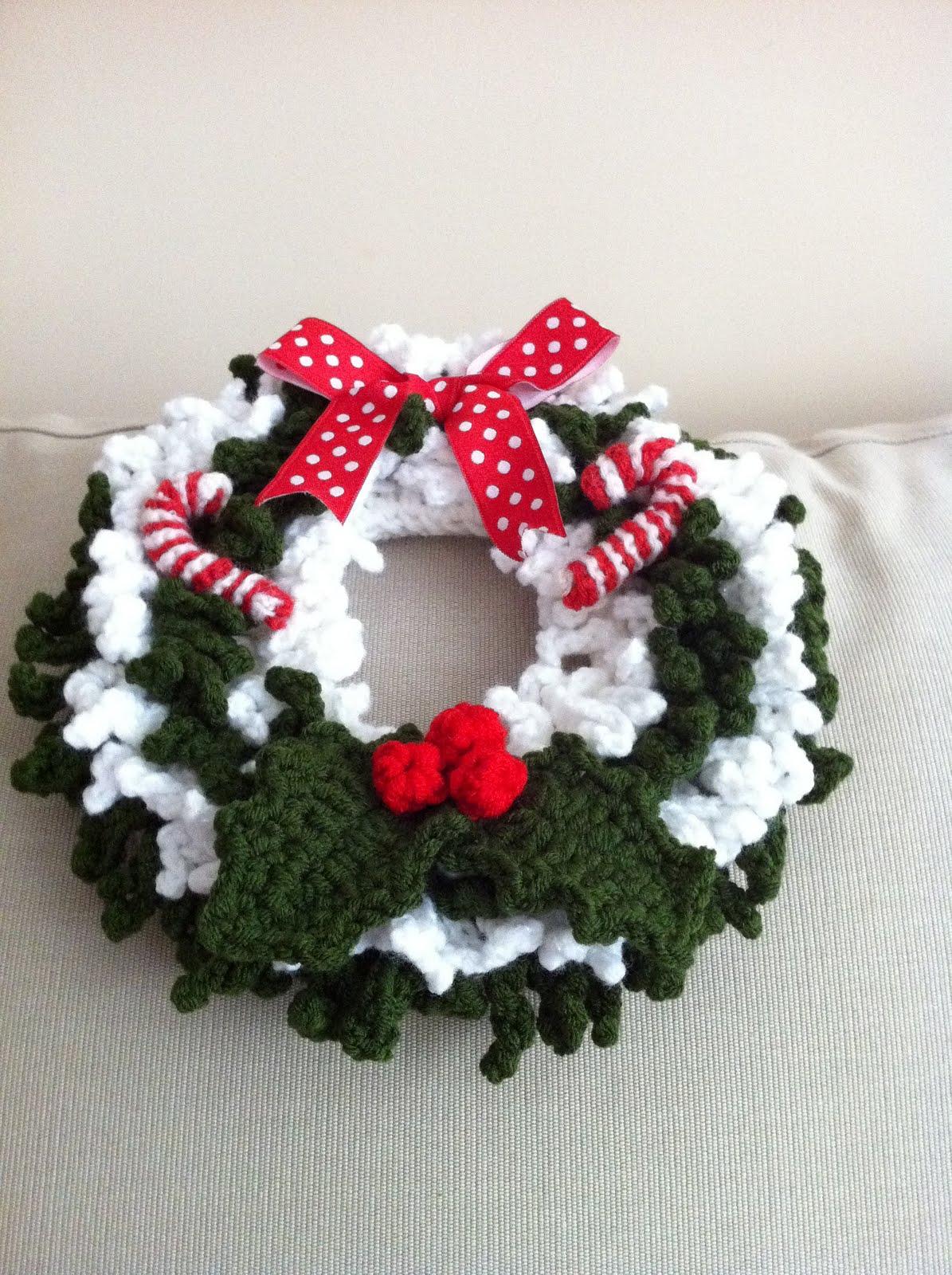Crochet Pattern For Xmas Wreath : Handmade with love by G.: Crochet Christmas Wreath 2011