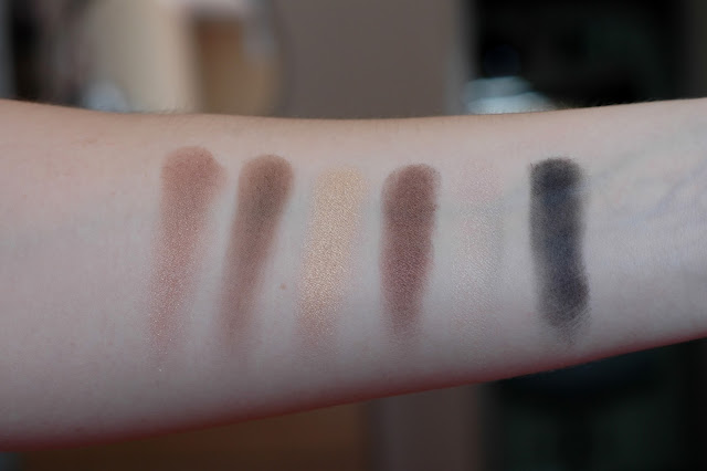 Swatches von Maybelline The Nudes Palette
