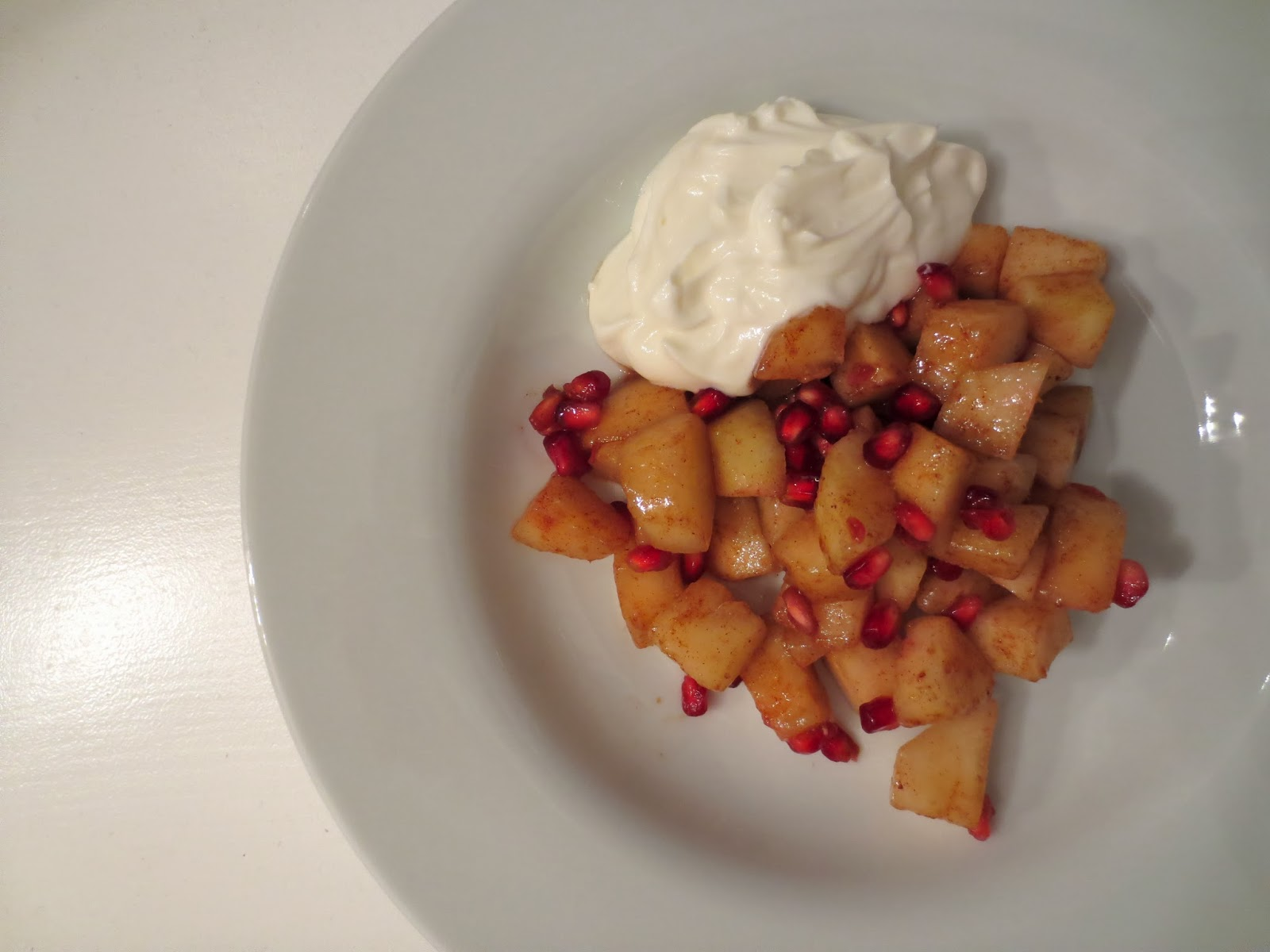 Spiced Pears and Pomegranate (Adapted from All Recipes )