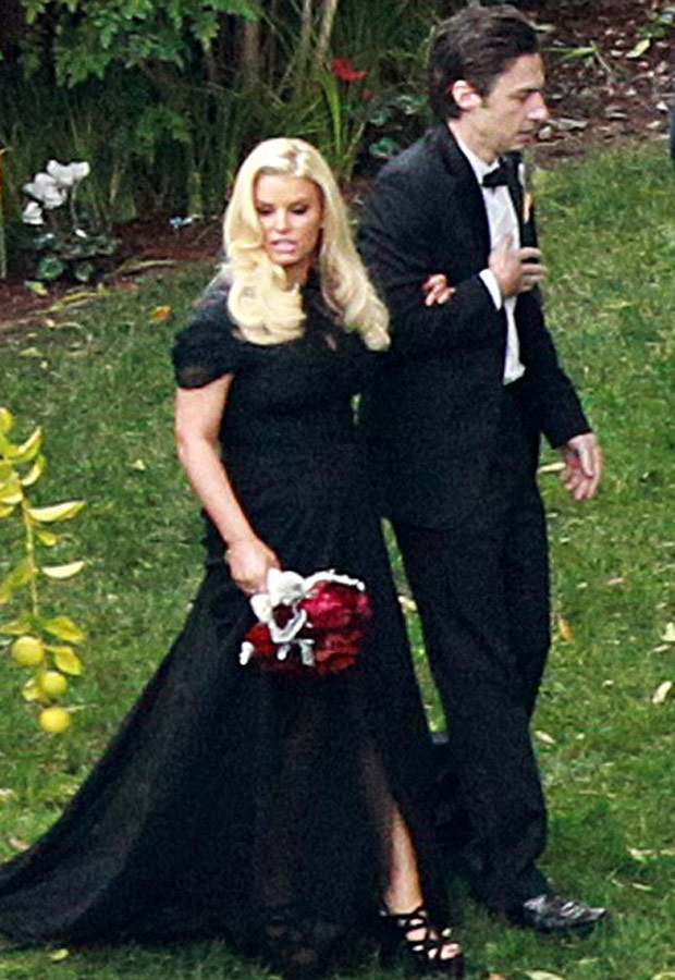 Magic Dress Bridesmaid UK: Pregnant Bridesmaid Jessica Simpson ...