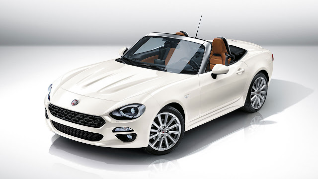 Fiat 124 Spider unveiled at the 2015 Los Angeles Auto Show