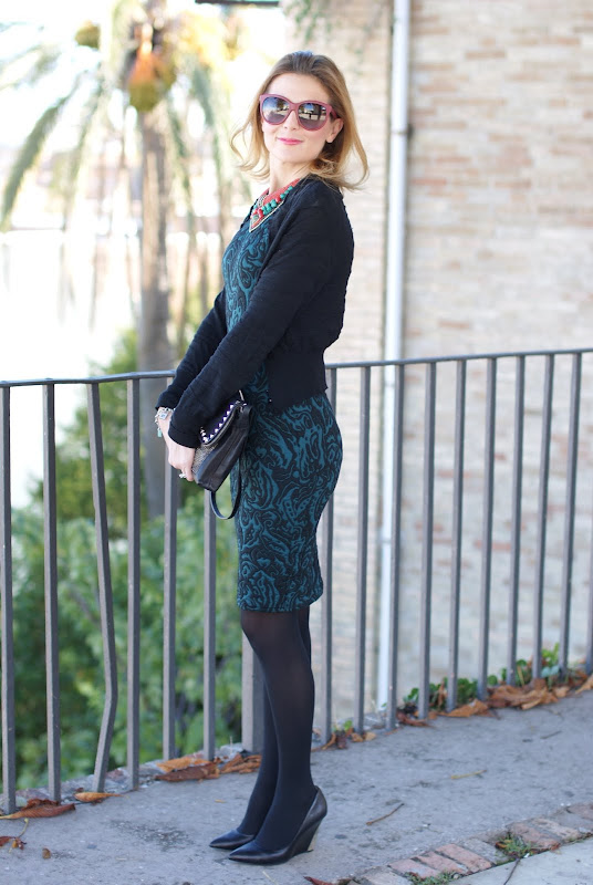 green bodycon dress, statement necklace