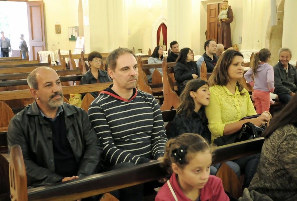 O Secretário de Cultura, Arnaldo Almeida, o designer gráfico Ricardo Guarilha e a Subsecretária de Cultura, Cléo Jordão