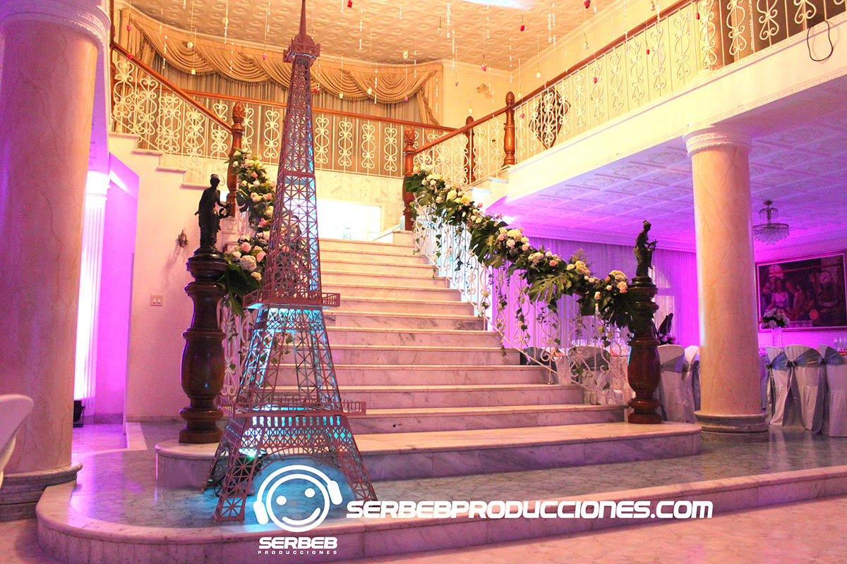 15 Años: Fiesta de 15 Años Temática París, Serbeb Producciones