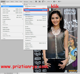 Cara Edit Baju Menjadi Transparan di Photoshop