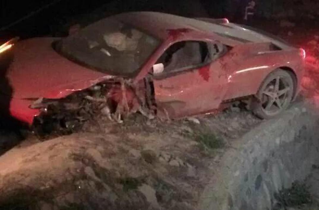 Photo Voiture D Arturo Vidal Apr 232 S Son Accident Il A