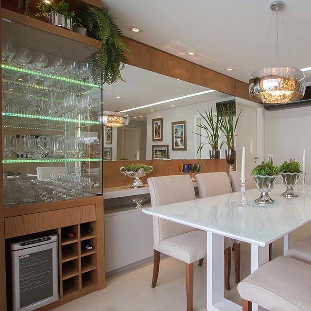 Sala De Jantar Inox E Vidro ~ Cristaleira e adega juntas! Veja modelos lindos com essa tendência da