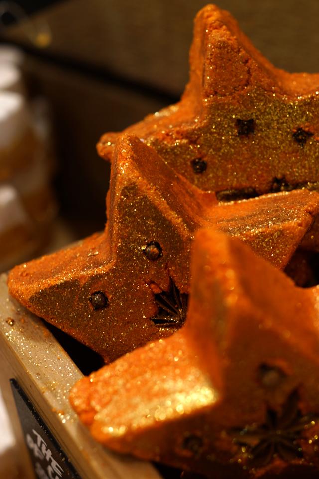 Hello Freckles LUSH Christmas 2015 Magic of Christmas Wand
