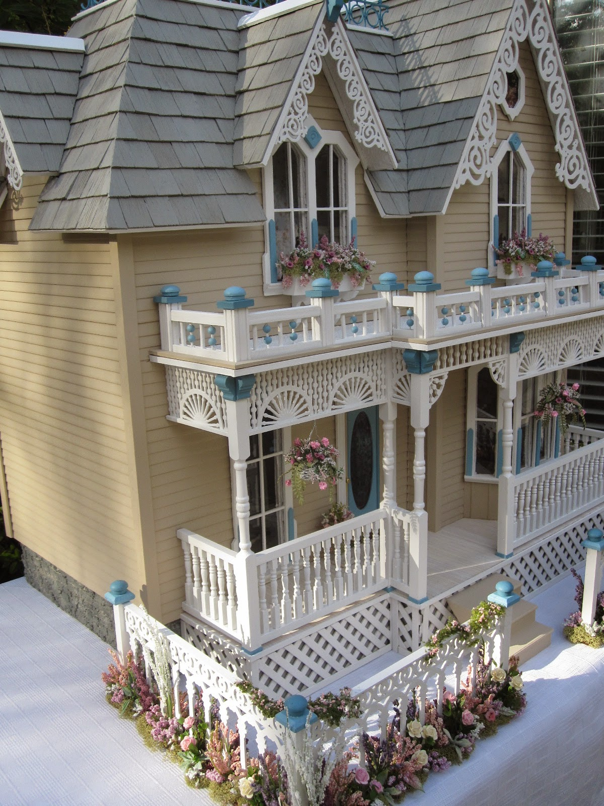 Quot The Darling House Quot Victorian Dollhouse