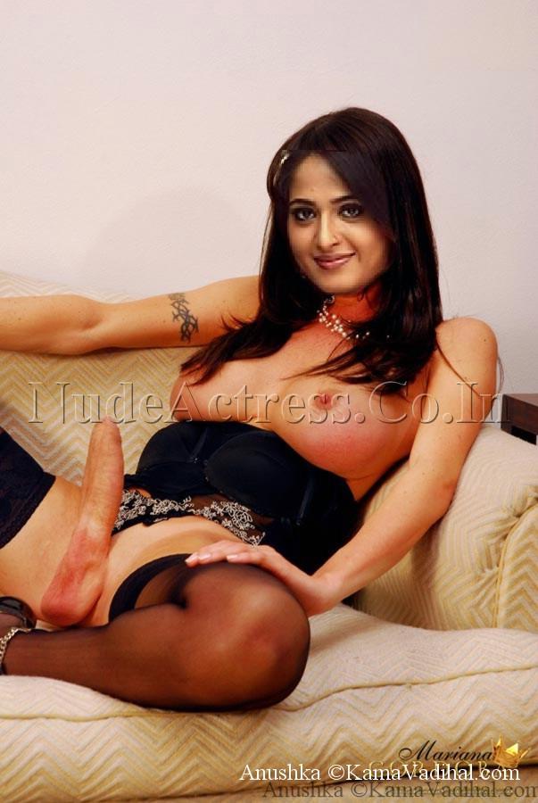 Acterss Anushka nude BOOBs show