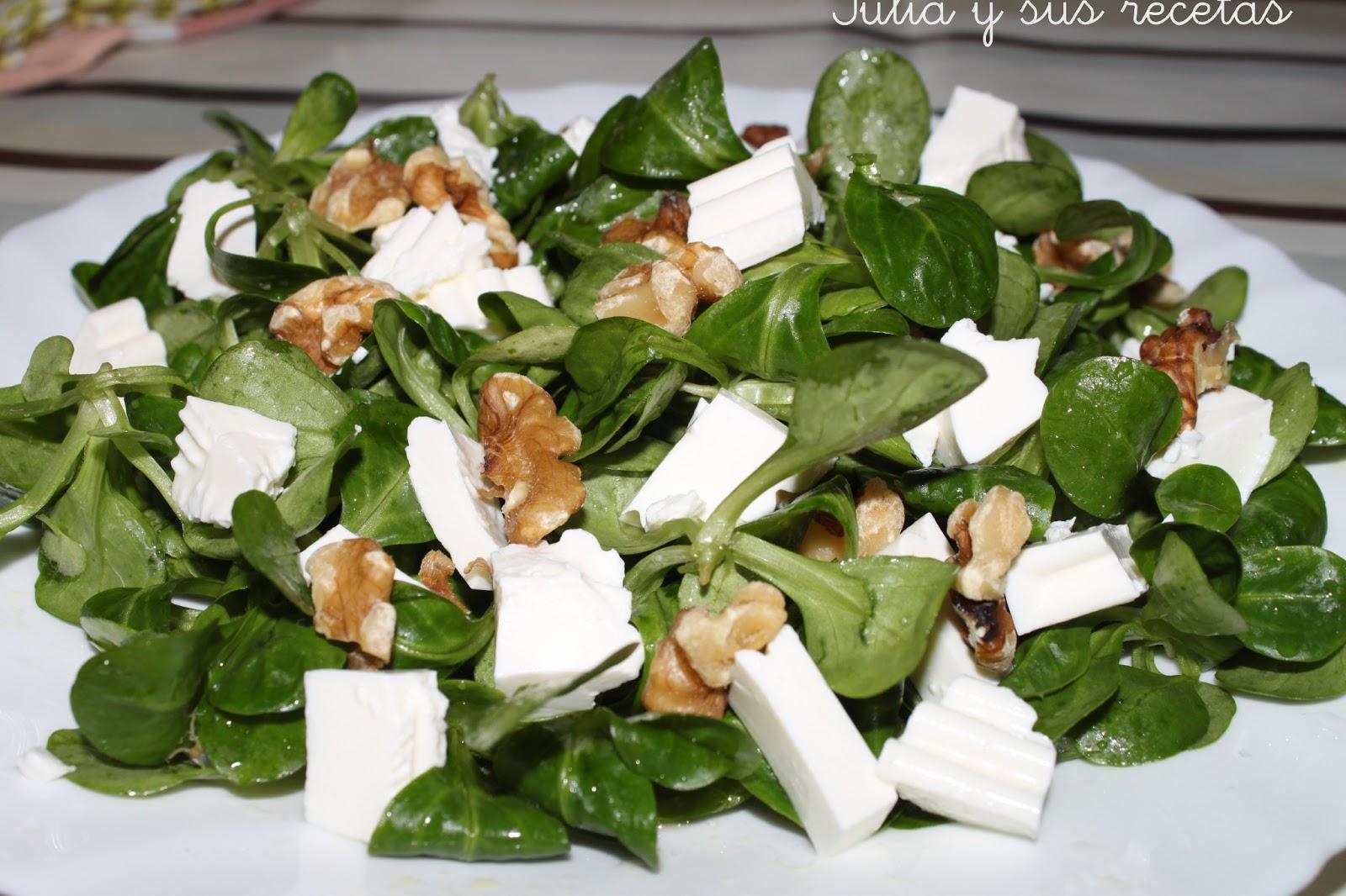 Julia y sus recetas ensalada de can nigos con queso y nueces - Ensaladas con canonigos ...