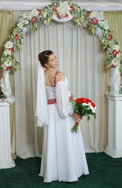 Весільна сукня в українському стилі від студії Гойра, Львів