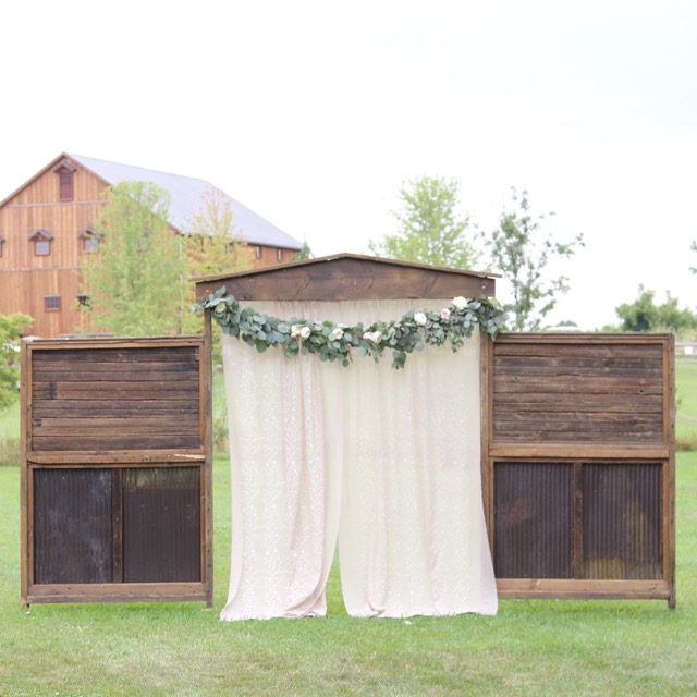 Silver dollar eucalyptus garland with garden roses for barn wedding misty farm ann arbor Sweet Pea Floral Design.