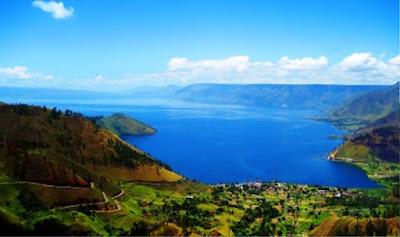 Gambar Pemandangan Alam Indonesia Danau Toba (Sumatera Utara)
