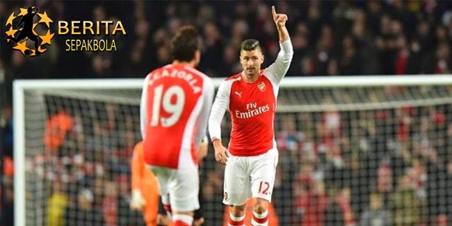 Giroud-Cazorla Borong Gol, Arsenal Taklukkan Newcastle 4-1