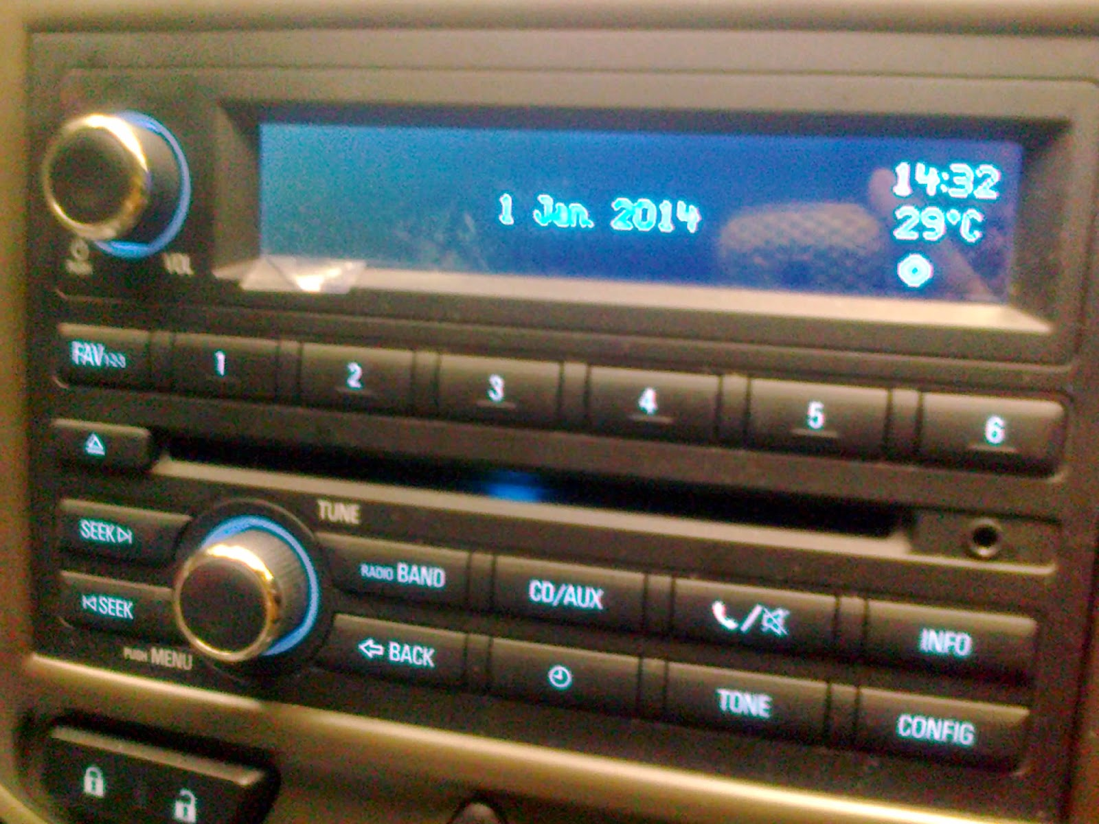 Driving Pion: Review Chevrolet Spin LT 1.2 on testimoni chevy spin, car spin, mobil spin, hummer spin, honda spin,
