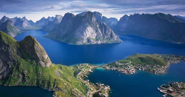 Reine Nas Ilhas Lofoten Reino Da Noruega Destinos
