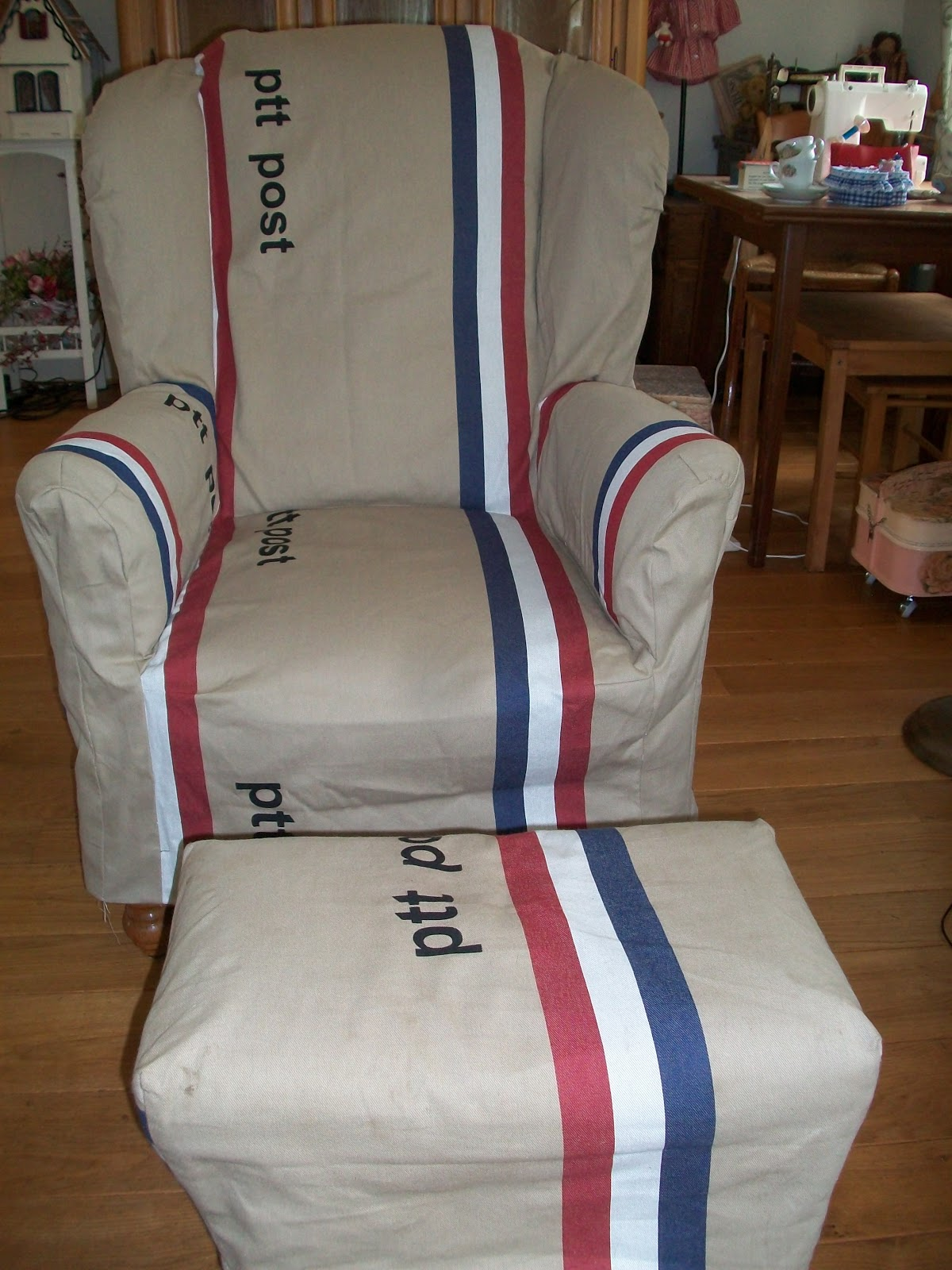 Made By Hennie   Jeans tassen en een PTT stoelhoes