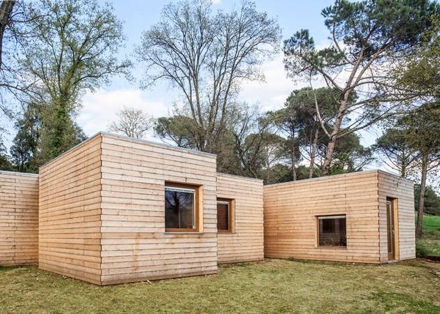 Desain Rumah Kayu Sederhana Berbentuk Persegi Rancangan Gambar