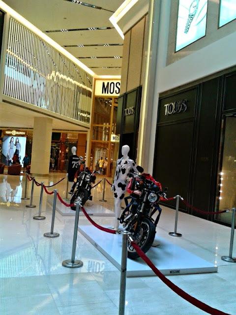 moschino-biker-bag-harley-exhibition