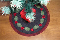 Holly Berry Penny Rug E-Pattern