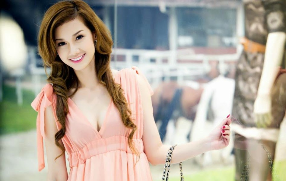 Hình nền Hot girl Quỳnh Chi Full HD