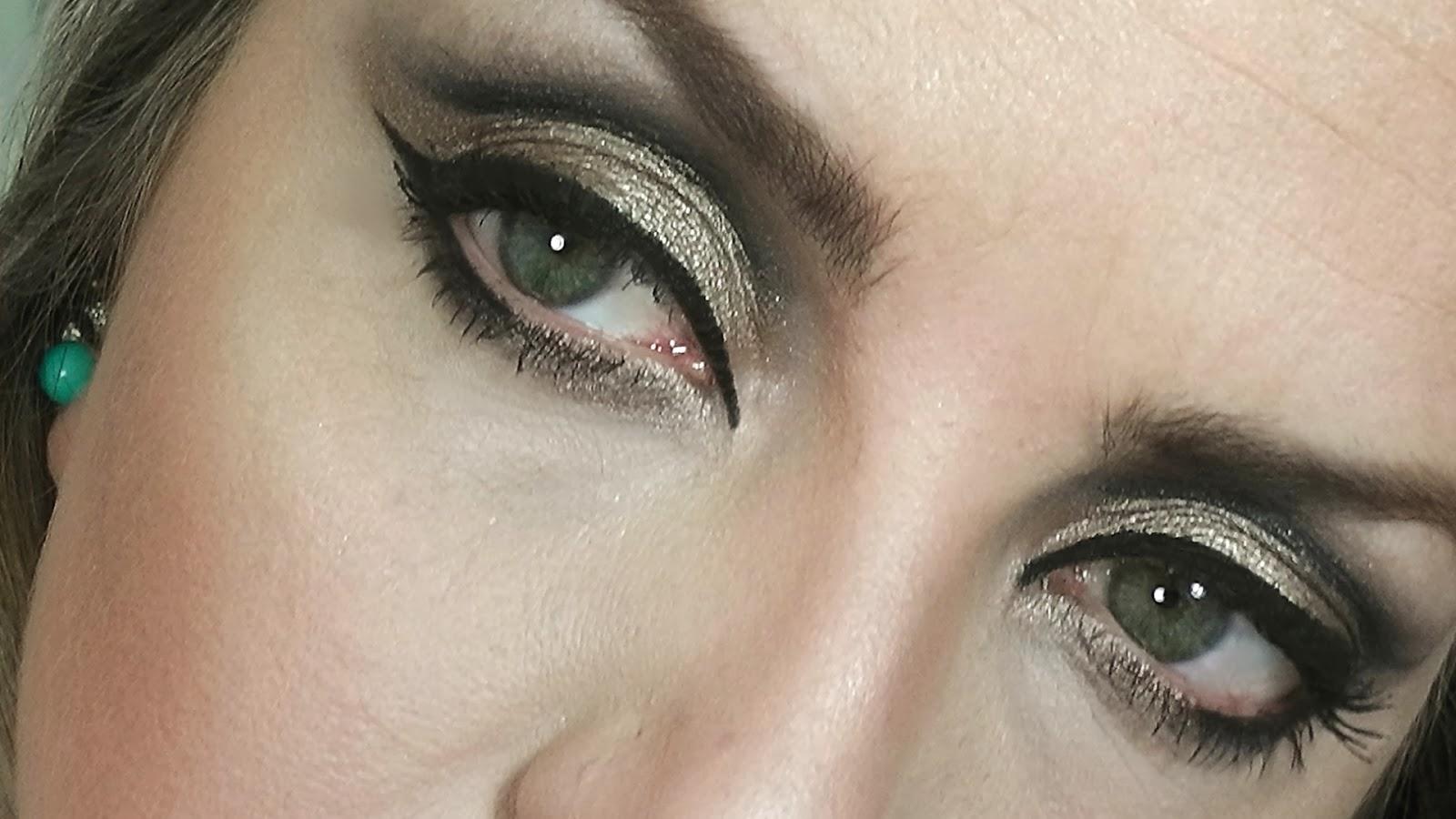 Tutorial-Maquiagem-Noite-Balada.-Delineador-de-Gatinho-Brilho-e-muito-Esfumado-11.jpg