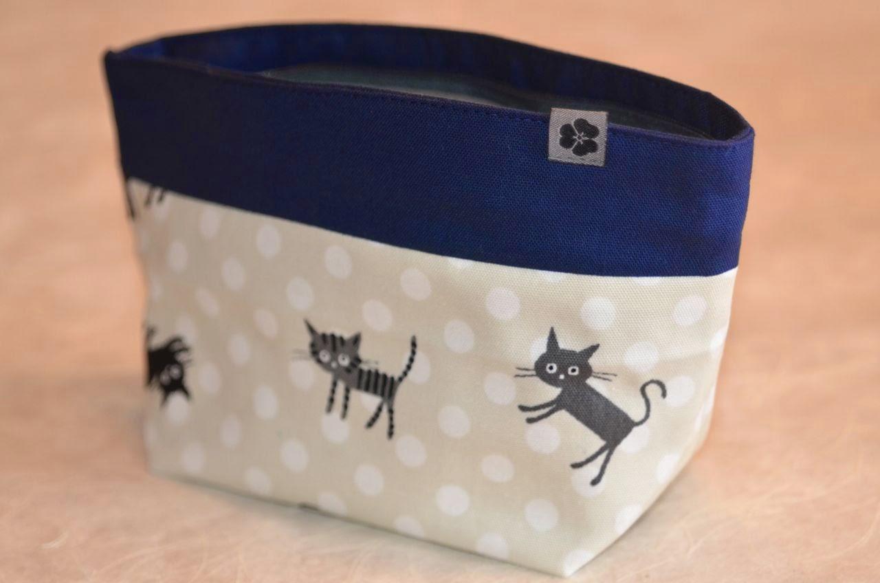 Kosmetiktasche aus japanischen Leinenstoffen mit Katzenmotiv, Japan, Design, handgemacht, handmade, Unikat, Einzelstück