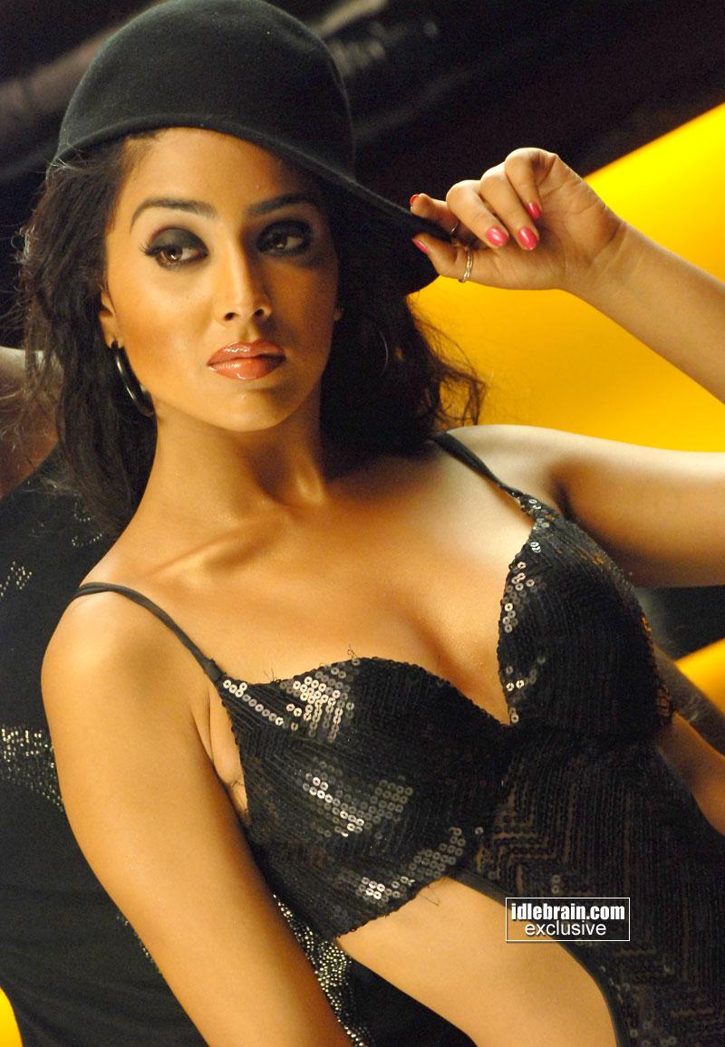 shriya saran sexy: shriya saran hot new photos 2