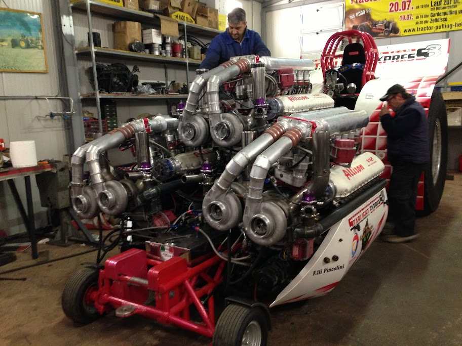 Tractor Pulling Engines : Tractor pulling news pullingworld big from the