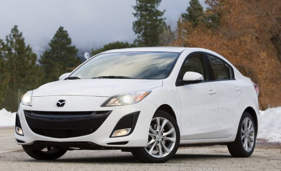The Poor Car Reviewer: 2010-2011 Mazda3 GX