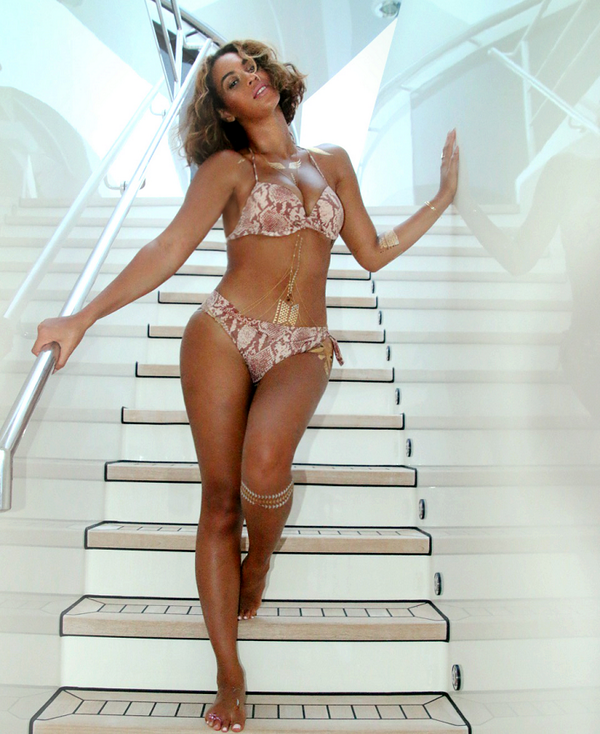 Beyonce Releases More 'Hot' Vacation Photos