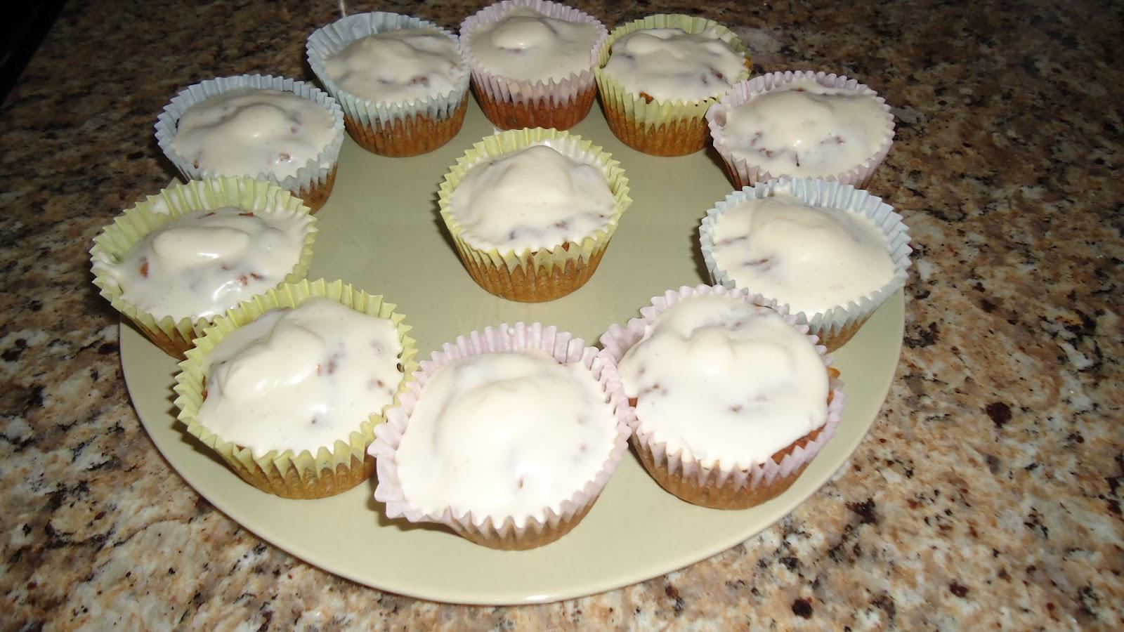 Grain-Free Groupie: Paleo Carrot Cake Cupcakes!