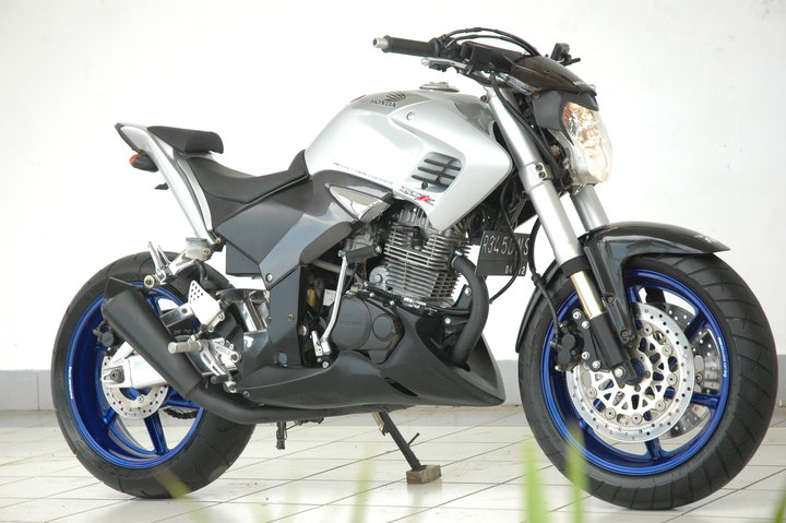 Modification Honda Tiger Streetfighter title=